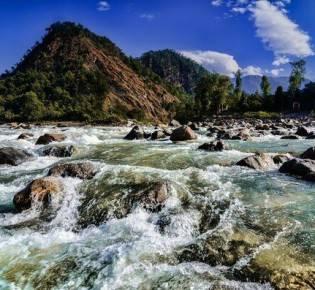 5 удивительный свойств воды из индийского Ганга, говорящих в пользу ее чистоты и уникальности